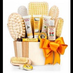 Burts bees spa bucket essentials kit